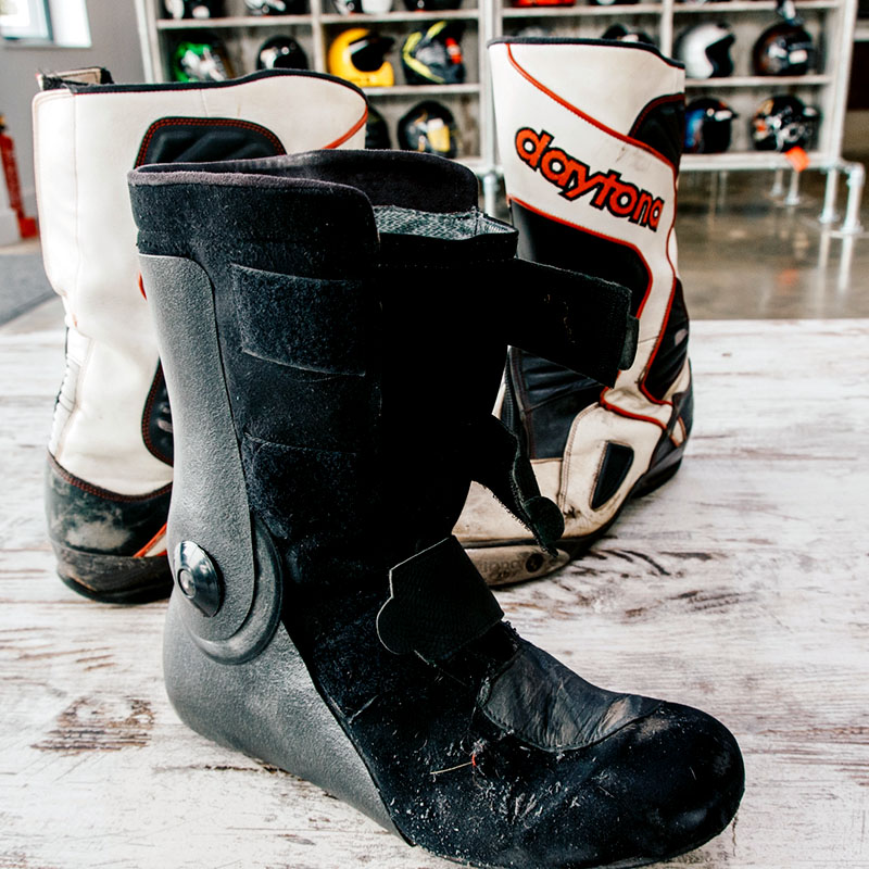 Inner boots secure with three Velcro straps, which quickly becomes second nature