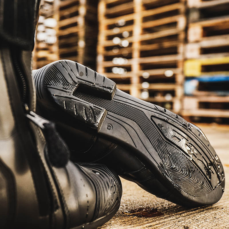 Soles are good and stiff, meeting the lower Level 1 of the CE safety test