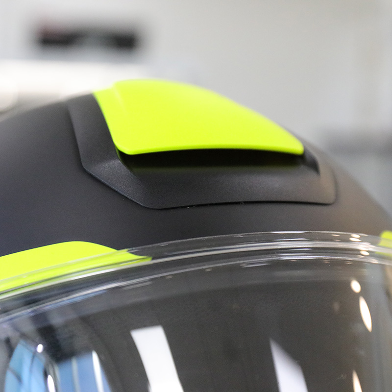 The top vent was effective and allowed plenty of airflow through the helmet
