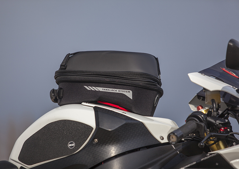 Five of the best… tank bags for plastic tanks