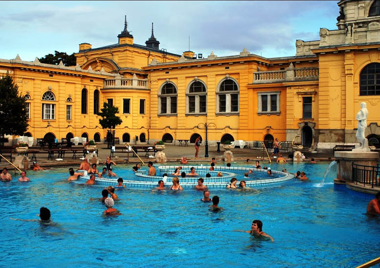 Stop for a dip in the outdoor baths in Baden-Baden
