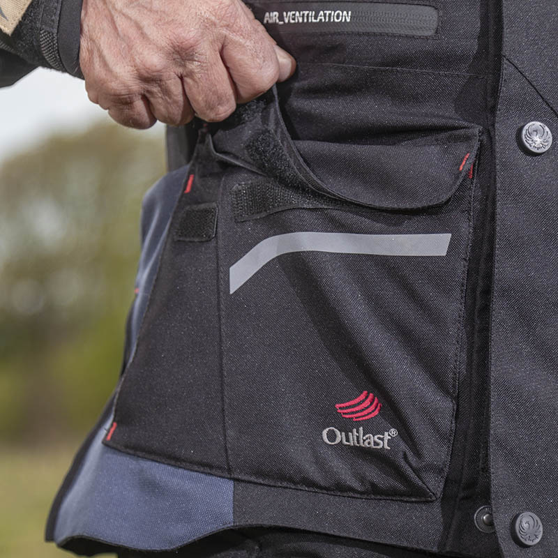 A large pocket on each side teamed with the two on top give you lots of space to put your belongings