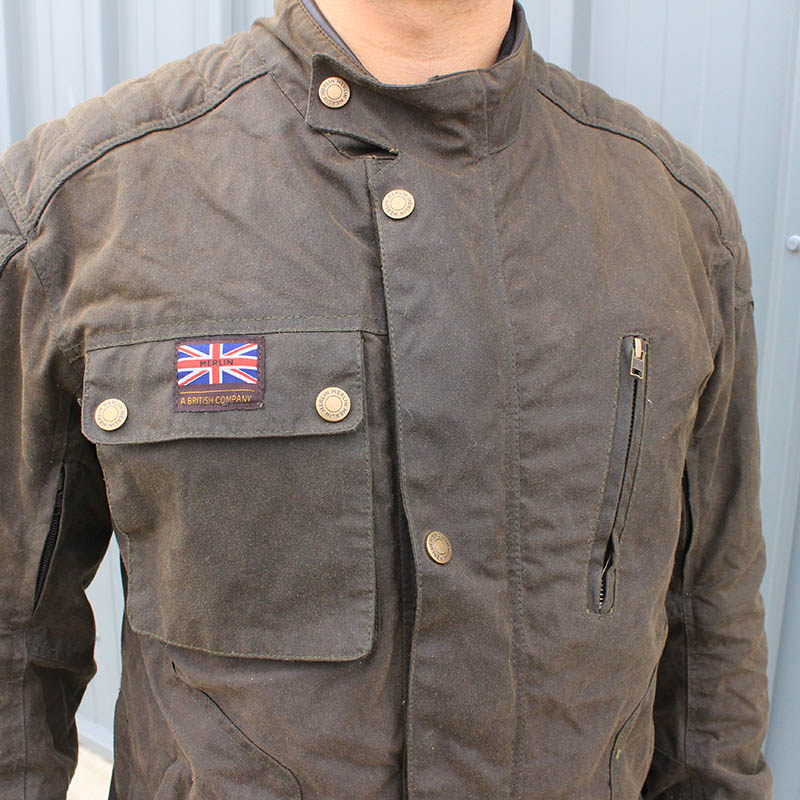 A large chest pocket can be buttoned closed to protect belongings