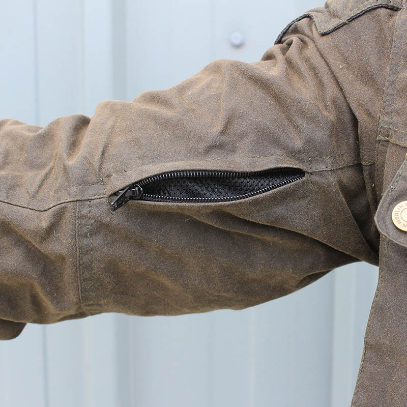 Vent zips on the arms keep cool air flowing on hotter days