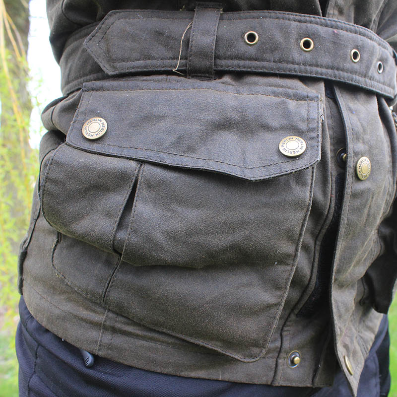 Behind the large lower pockets sits handwarmer pockets