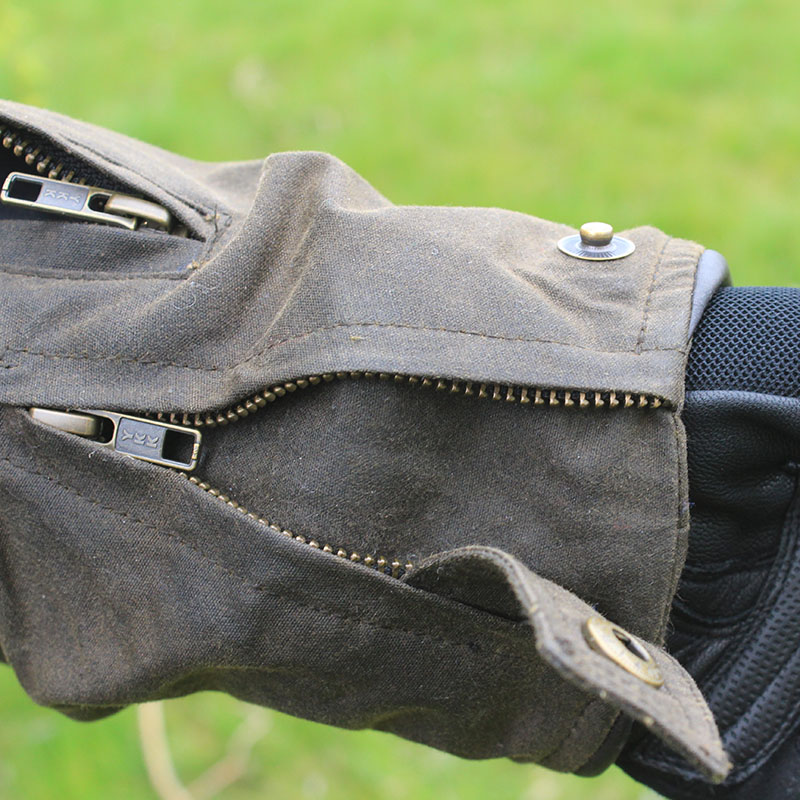 The cuffs can be extended to make getting gloves under a doddle