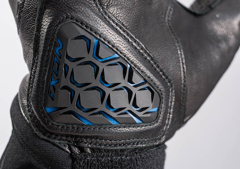 Ixon IT-Aso intelligent heated gloves