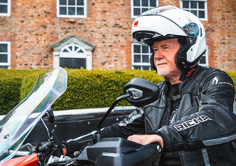 How to choose... a flipfront helmet