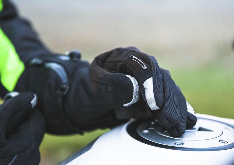 Keis G701 heated armoured gloves